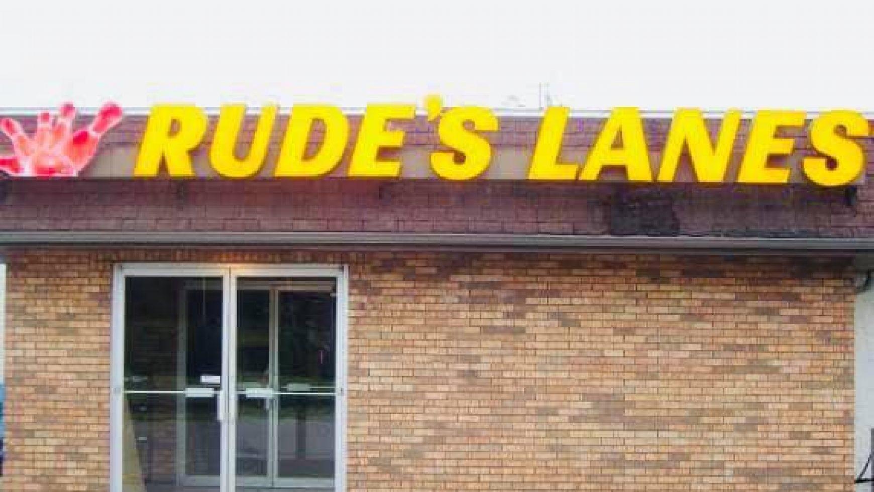 Karaoke at Rudes Lanes